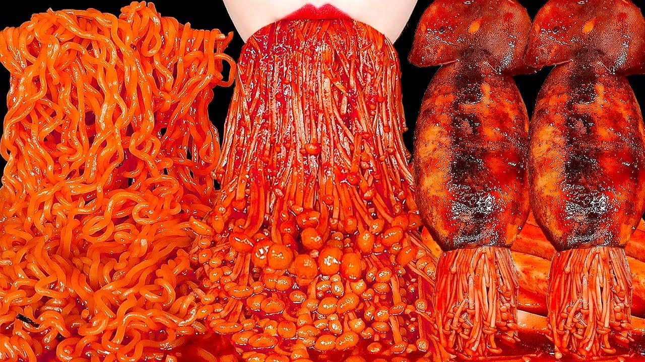 ASMR SPICY ENOKI MUSHROOMS, SQUID, FIRE NOODLES 오징어 불닭팽이버섯 불닭볶음면 먹방 咀嚼音えのき EATING SOUNDS MUKBANG