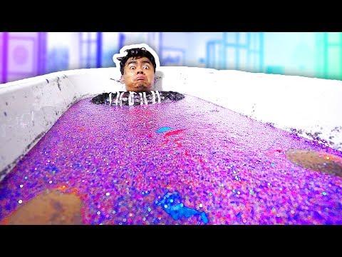 100 BOTTLES OF GLITTER BATH CHALLENGE!