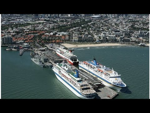 Cruise giant arrives in new home port of Melbourne
