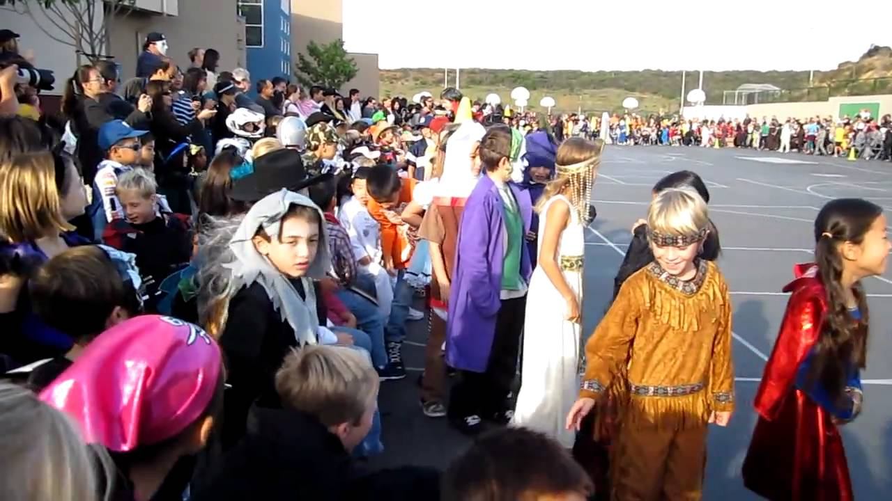 school halloween costume parade - youtube
