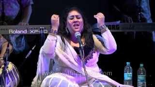 Indian sufi singer Ragini Rainu singing -