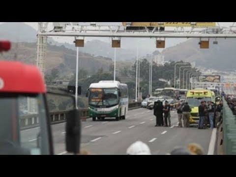 Brasil conmocionado por el secuestro de un autobús que acabó con el asaltante muerto