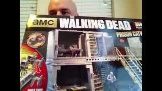 Mcfarlane's The Walking Dead Prison Catwalk Build And Review