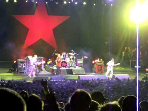 Rage Against the Machine - Tire Me (live) 8-24-07