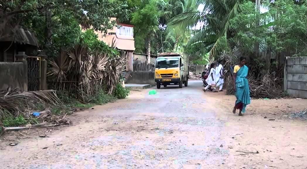 Children in a Tamil village - YouTube