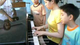 """""""Grenade"""" Bruno Mars Cover by 9 year old Filipino Twins, The Urquico Twins"""