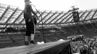 Soundcheck in Rome with the fans - June 12, 2012