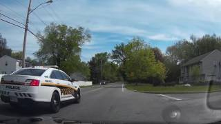 Baixar Guy passes me in a school zone in front of the cops.