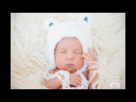 Newborn photography NYC: Newborn Lady