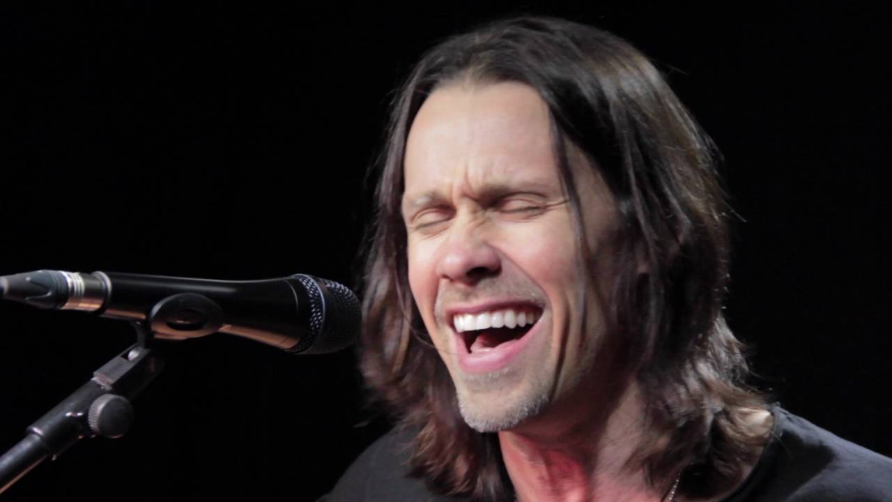 Alter bridge show me a leader (behind the song) descarga de.