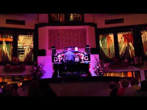 Bobby Freeman performs at Organ Stop Pizza in Mesa, Arizona.