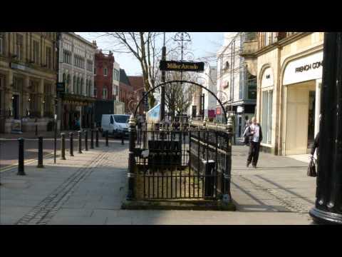Cities in Focus - Preston Lancashire with the Panasonic Lumix FZ100 and TZ10
