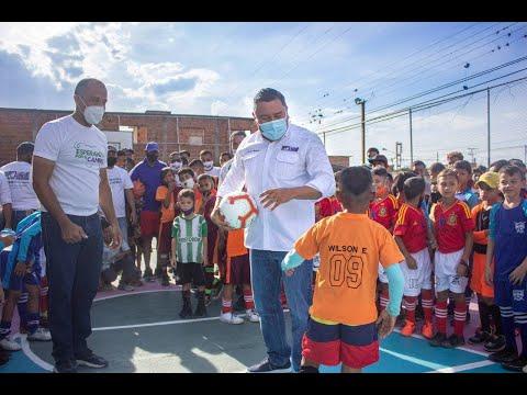 Bertucci cumplió promesa de rehabilitar cancha en Santa Inés de Carabobo