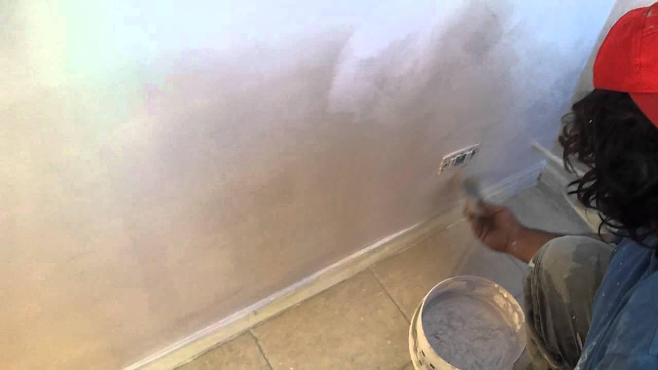 Come pitturare una parete stile moderno - YouTube