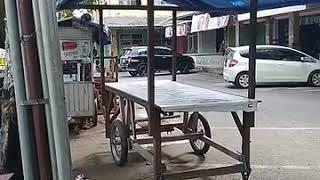 kondisi pasar rembige di pagi hari