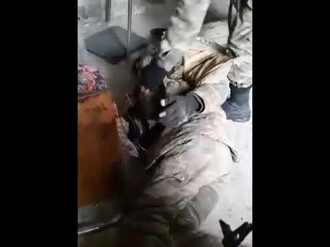 Азербайджанские солдаты нашли раненого Армянского бойца в здании