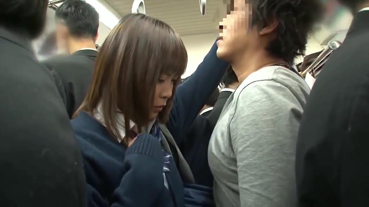 красивая девушка подверглась нападению в японском общественном транспорте интересно