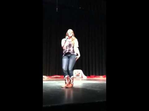 Aleia singing