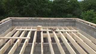 Начальный этап строительства мансардной крыши(На видео видно, что под мауэрлат мы подложили фанеру , сделали это для того что бы выравнять его по уровню., 2013-06-29T18:48:02.000Z)