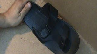 Ремонт обуви. Прошивка сандалий  Sew sole of the sandals(Видео о прошивке задних ремешков сандалий через подошву., 2013-07-01T12:20:22.000Z)