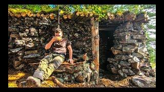 КАМЕННЫЙ ДОМ своими РУКАМИ - МЕДВЕДЬ НАПАЛ на КАМЕРУ | СТРОИМ окно, дровяник, дверь | ХРОНИКИ
