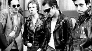 the clash - every little bit hurts