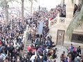 أغنية لحظة سقوط حاملي نعش quotفاتن حمامةquot أثناء تشييع جنازتها mp3