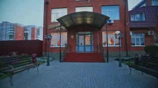 Оформление банкета. Блюда: курник, судак фаршированный. Кафе «Южный город» на InfoTaganrog.ru