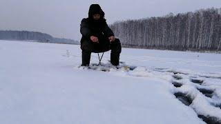 Рыбалка на Озере УТКУЛЬ ловля ПЛОТВЫ на безмотылку