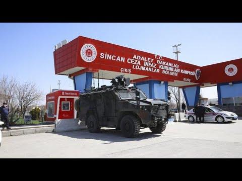Turchia: ergastoli per alti ufficiali nel processo al fallito golpe del 2016