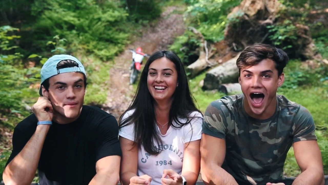 2 Truths And A Lie Ft Our Sister Dolan Twins Vostfr Youtube