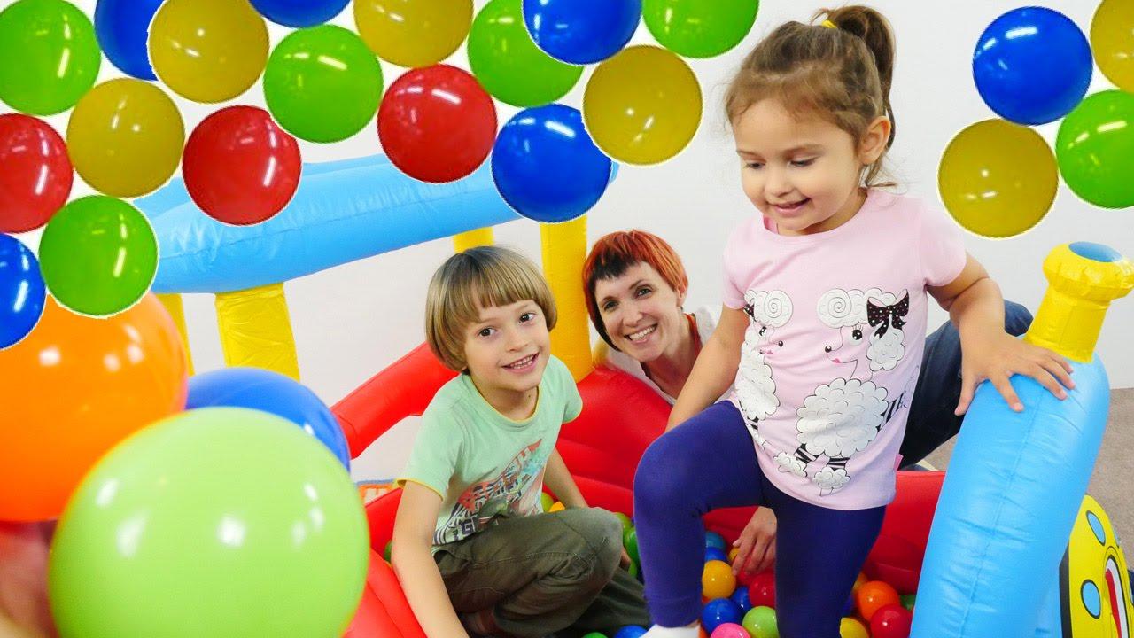 Бассейн с шариками. Развивающие игрушки для детей. - YouTube