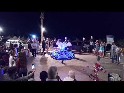Танец в Melton Beach Resort