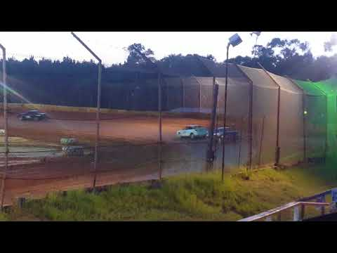 Eco Stock Heat Race @ 105 Speedway 6/23/18