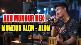Download Mp3 Mundur Alon Alon -  Ilux Id By Tri Suaka -  Pendopo Lawas