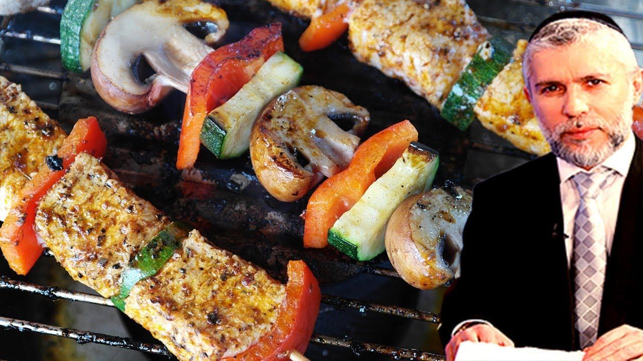 ☢ בול פגיעה - האם מותר לאכול בשר כשר, או שחייב חלק? ומה זה בשר חלק?!