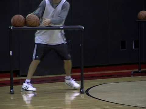 Kapono Makes It Look Easy Practicing For Foot Locker 3-Pt Shootout
