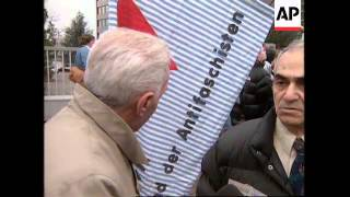 GERMANY: SHAREHOLDERS & FORMER I-G FABEN WORKERS CLASH
