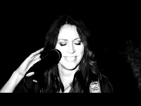 Never Loved A Man - Jenn Grinels (Live in San Diego)