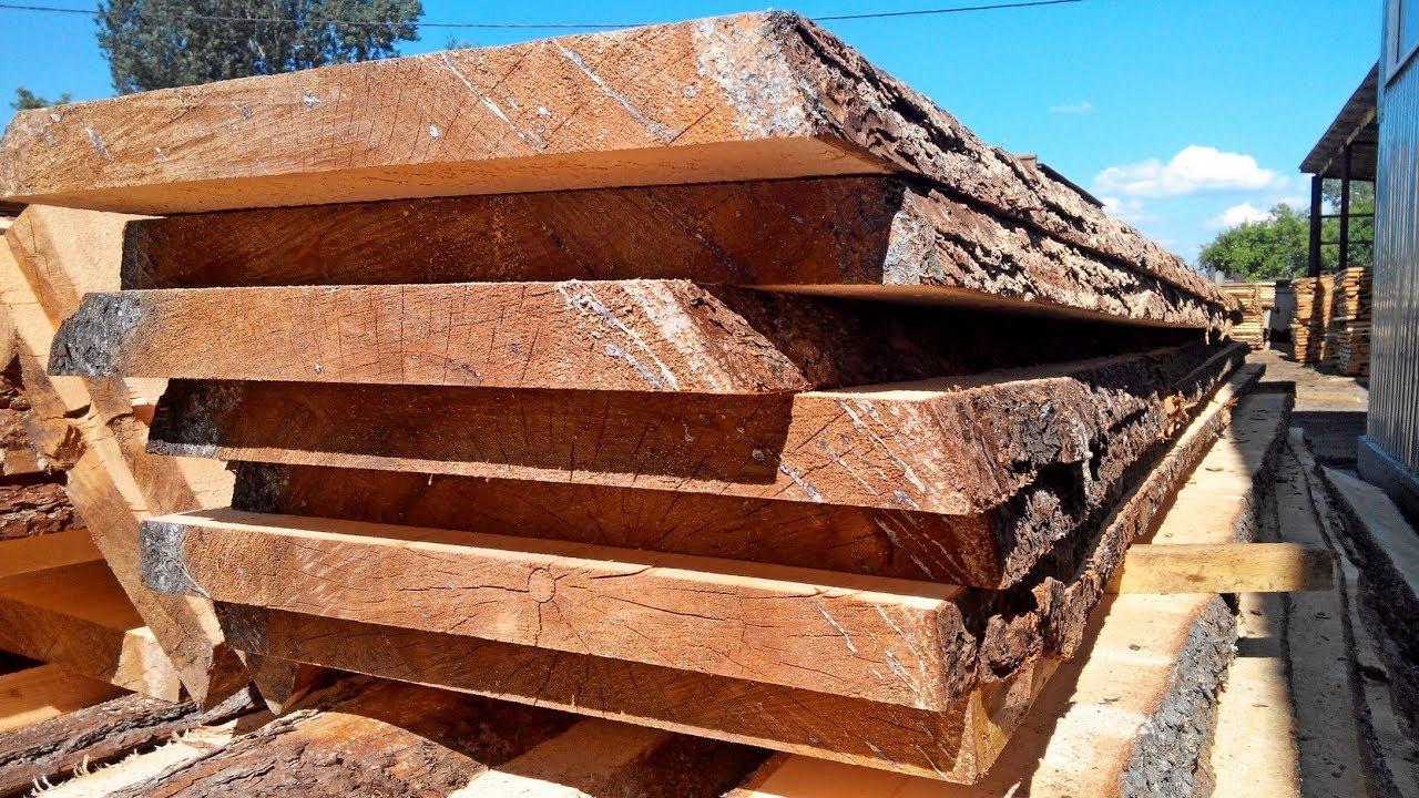 Обрезная доска — пиломатериал размерами сечений от 16 × 8 мм до 250 × 100 мм. Обрезные доски изготавливаются из древесины разных пород. Основное отличие обрезной доски — это наличие обзола, не более допустимого по соответствующей нормативно-технической документации.