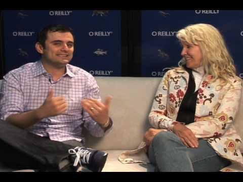 Gary Vaynerchuk and Kathy Sierra chat at Gov 2.0 Expo