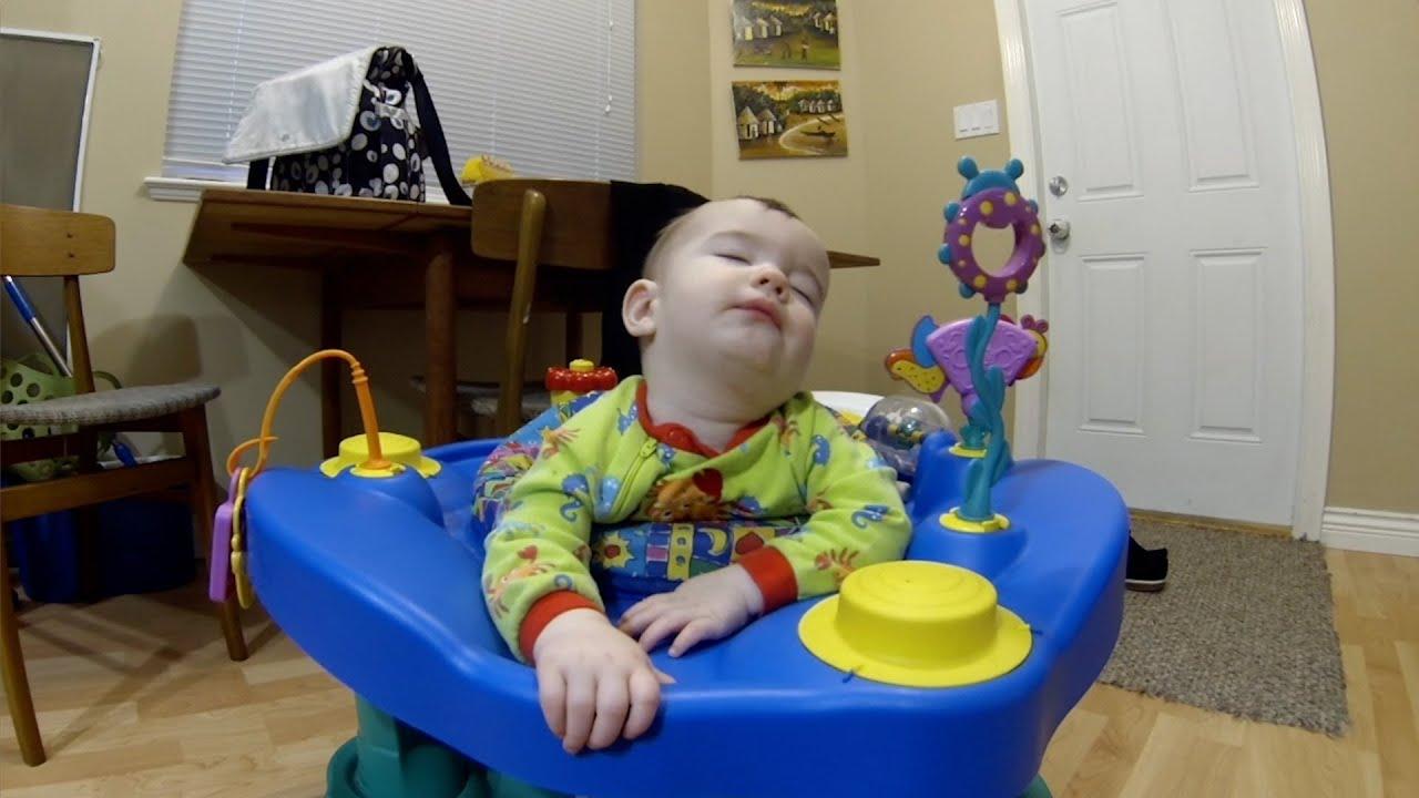 Sevimli Bebeğin Uykuyla İmtihanı :)