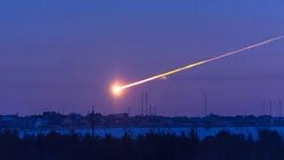 Уникальные кадры. Падение метеорита в озеро Байкал(Сотрудники Астрономической обсерватории Иркутской области зафиксировали падение небольшого метеорита..., 2015-10-28T18:26:40.000Z)
