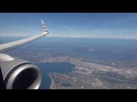Alaska Airlines 737-800 landing at Seattle-Tacoma SEA