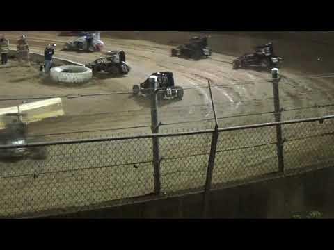 Midget Feature at Belle-Clair Speedway 10-13-18