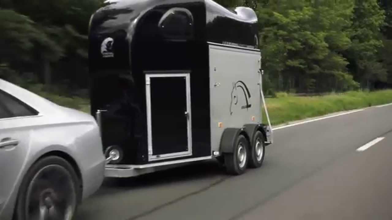 cheval libert pferdeanh nger werbevideo koch pkw anh nger. Black Bedroom Furniture Sets. Home Design Ideas