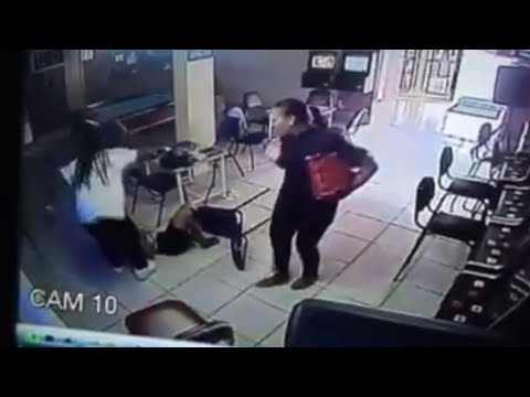 Girl Gets A BRUTAL RHONDA ROUSEY Knee To The Face from YouTube · Duration:  38 seconds