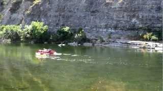 Ardèche : Vidéo aérienne du camping la Grand'Terre à Ruoms...