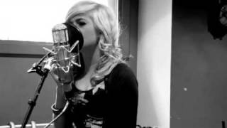 Watch Pixie Lott Use Somebody video