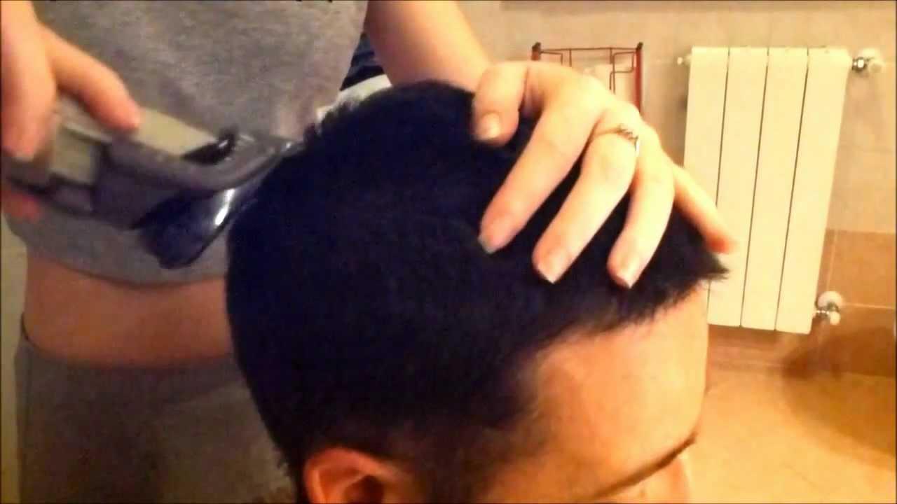 Come tagliare i capelli in casa ad un uomo  - come tagliare i capelli a un uomo